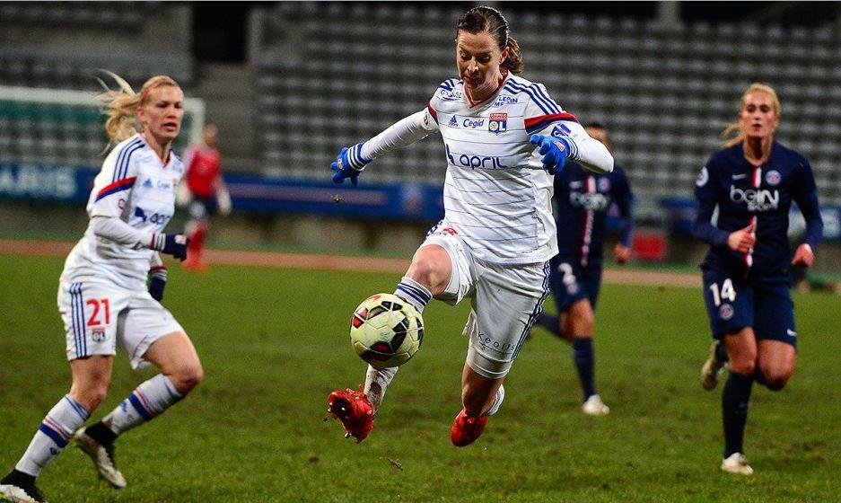 Lotta Schelin, bon anniversaire. Une star suédoise qui adore jouer à Lyon et qui est en France depuis 7 ans. Vous connaissez ?