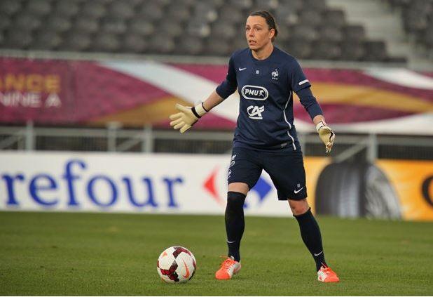 Céline Deville, blessée lors du quart de finale est remplacée par Emmeline Mainguy
