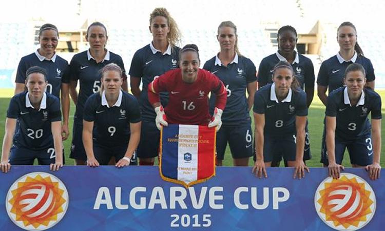 Finale de l'Algarve. France-Usa (0-2). Les américaines prennent la belle à la régulière et remporte le titre devant la France, seconde pour la 1ère fois.