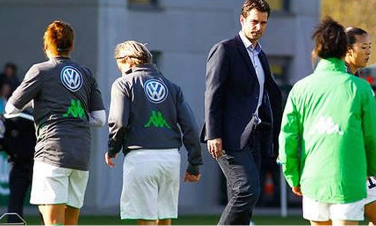 Wolfsburg Féminines a transformé son équipe pour venir à Paris, tenter de revenir au score.