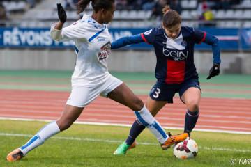 Laure Boulleau et son dynamisme dans le jeu. Crédit Massardi. Les feminines.fr