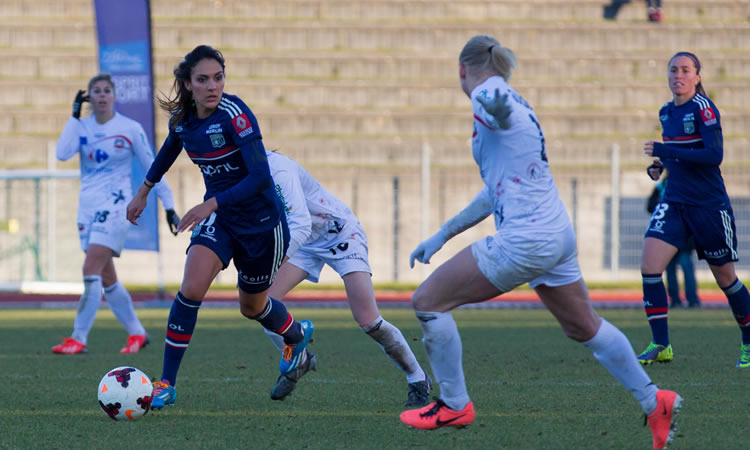 En Football féminin, Finale Coupe de France. Juste une question : Où en est Louisa Necib avec sa blessure ?
