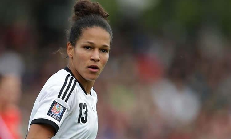 Transfert – Célia Sasic rompt son contrat avec l'accord de Frankfurt. «On ne nous dit pas Tout !»