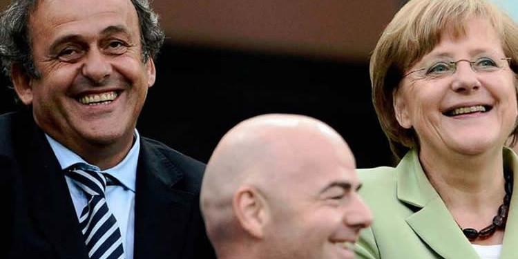 Finale Ligue des Champions. Michel Platini. On attend du beau monde à la finale et surtout 12 millions de téléspectateurs. lesféminines.fr
