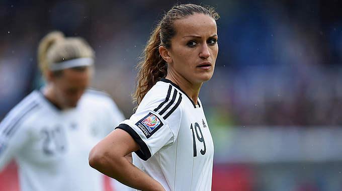Fatmire Alushi : le site de la DFB annonce la future maternité de la joueuse internationale.