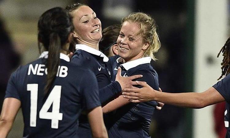 France 2 – 1 Russie: une victoire des Bleues qui gagnent ses matches en sachant que des points doivent s'améliorer.