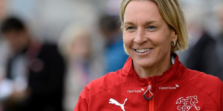 Martina Voss-Tecklenburg voit la France gagner le Mondial et impose un jeu offensif aux suissesses. Lesfeminines.fr