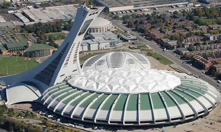 Le stade Olympique de Montréal. Une «Église» pour la France !