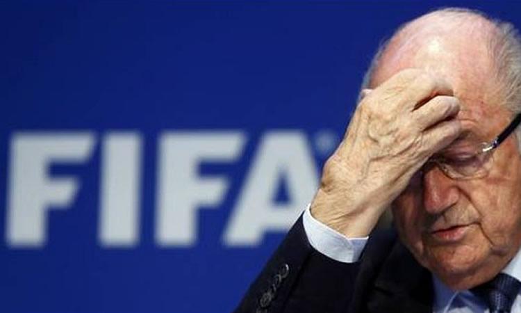 Blatter KO sur le ring de la FIFA