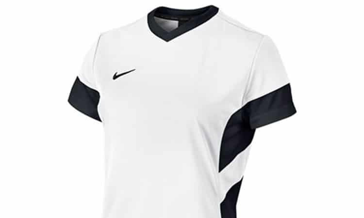 FOOTBALL FEMININ – Transfert – Changer de maillot ? Tout le monde resigne à la maison !