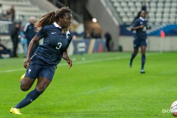 Viviane Asseyi. Equipe de France B. Giovani Pablo. Lesfeminines.fr