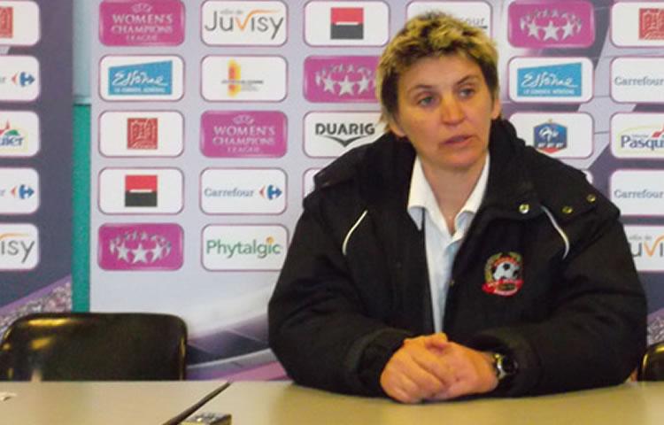 Sandrine Mathivet ex-coach Juvisy Fcf : «l'ambition doit te permettre d'aller plus loin que ce que tu peux faire»