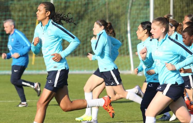 EDF-France Norvège-Présentation de l'équipe de France féminine de football.