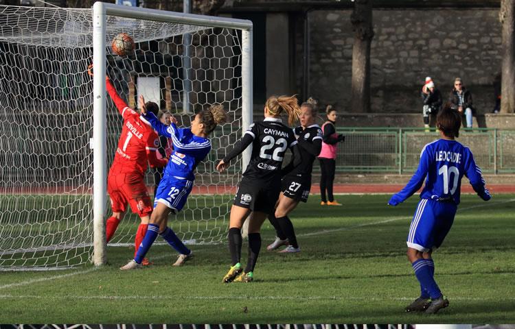 J15 – VGA St Maur (0-1) Fcf Juvisy Essonne : un match gagné à l'expérience et à l'arraché.