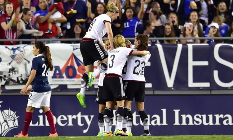 #SHEBELIEVESCUP. La France perd (1-0) contre une Allemagne sérieuse et appliquée.