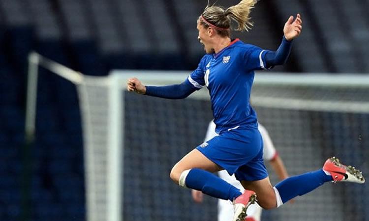 EDF La France aérienne se qualifie pour l'Euro 2017 (France-Ukraine 4-0)