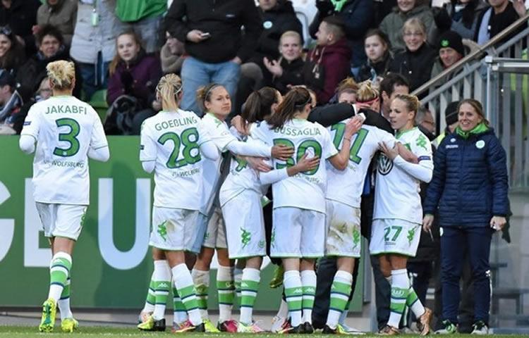 WCL – 1/2F – aller – Wolfsburg s'annonce en finale. (4-0)