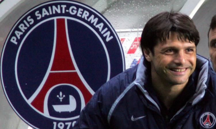 PSG – Laurent Fournier intéressé à coacher le PSG féminine.
