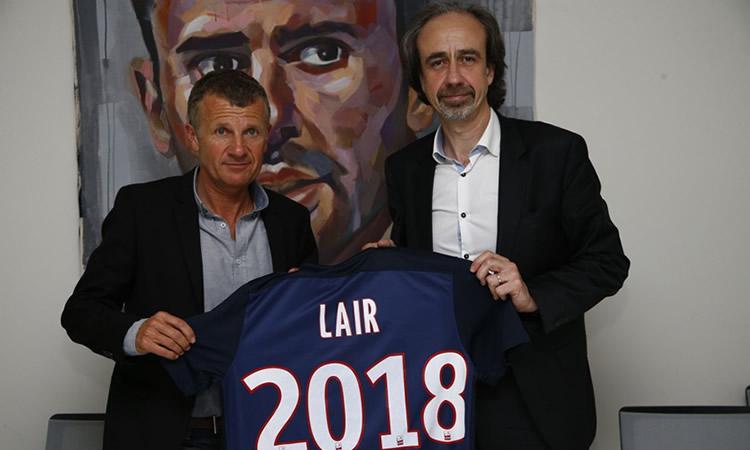 Patrice lair, nommé coach du PSG pour deux ans avec une année optionnelle. Crédit PSG. lesfeminines.fr