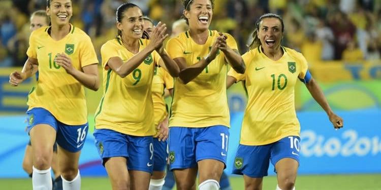 Un brésil en Fête. Trio offensif redoutable. Beatriz(16), Cristiane (11), Marta (10). 8 buts en 2