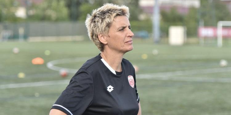 Sandrine Mathivet, coach du Dijon Football Côte d'Or (DFCO) féminin. Crédit DFCO. Lesfeminines.fr