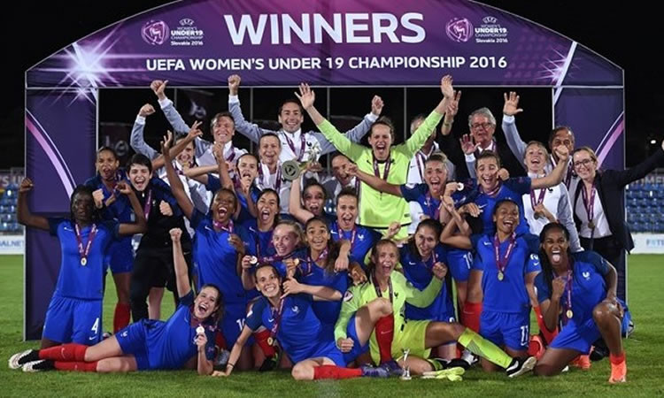 Euro U19F. Quelques mots sur ce que l'on peut penser après avoir été championnes d'Europe. Crédit UEFA. Lesfeminines.fr