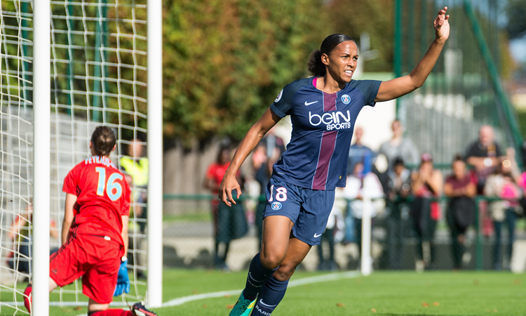 Célébrations simple de ML Delie lors de son but qui donne les 3 points au PSG. Crédit Gianni Pablo. Lesfeminines.fr