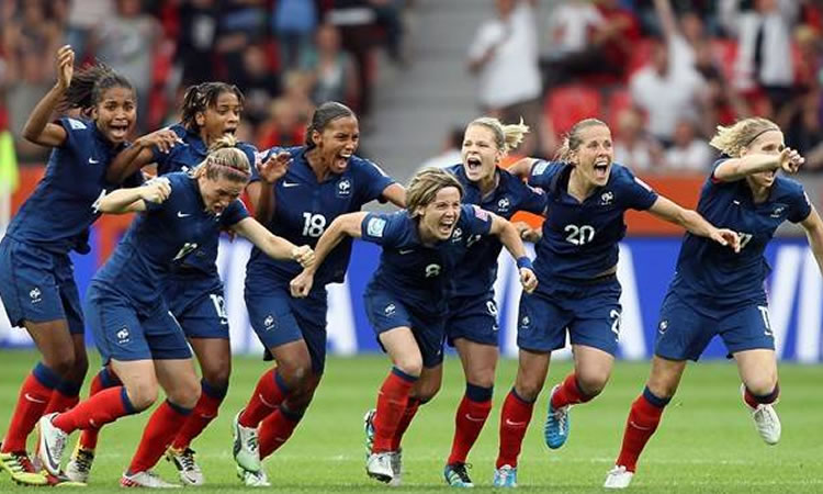 Marie-Laure Delie : «mon souvenir le plus fort, certainement France-Angleterre de 2011»
