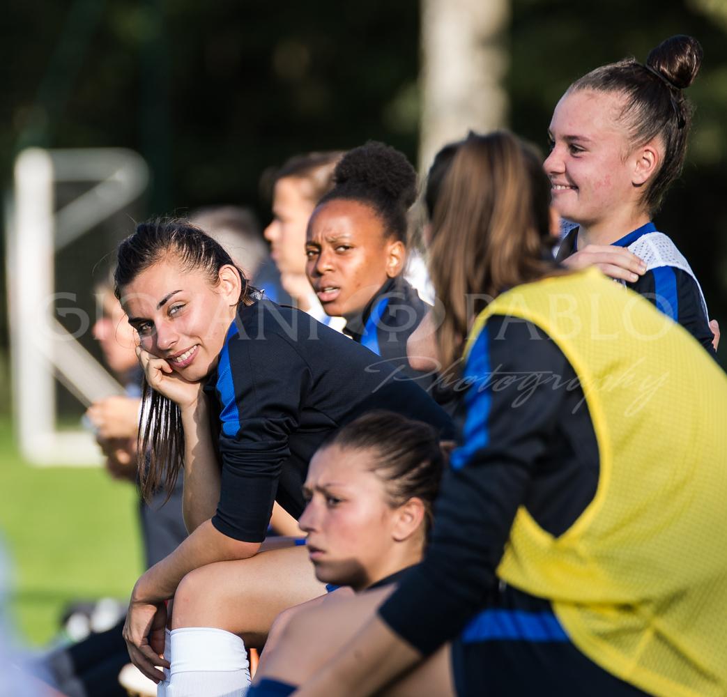 Spécial Equipes de France féminine – U19 – Mr le Président, Agathe Ollivier veut être psychologue sportif. Pauline Dechilly, travailler dans le sponsoring.