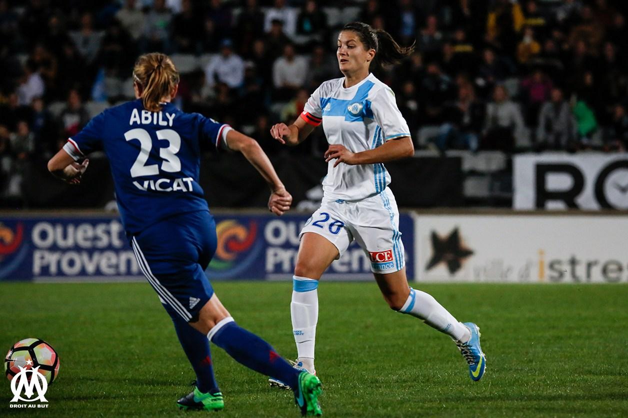 OL – Des stars quittent le Groupama Stadium, Camille Abily 199 buts, Elodie Thomis le TGV et la grande Corine Petit (1m78)