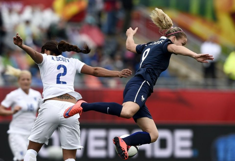 Shebelievescup. France-England. England forces : Tenacity and try to break