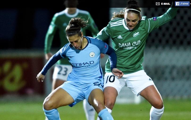 Carli Lloyd (Manchester City) & Nora Heroum (Fortuna). Le physique de l'américaine. Crédit UEFA. lesfeminines.fr