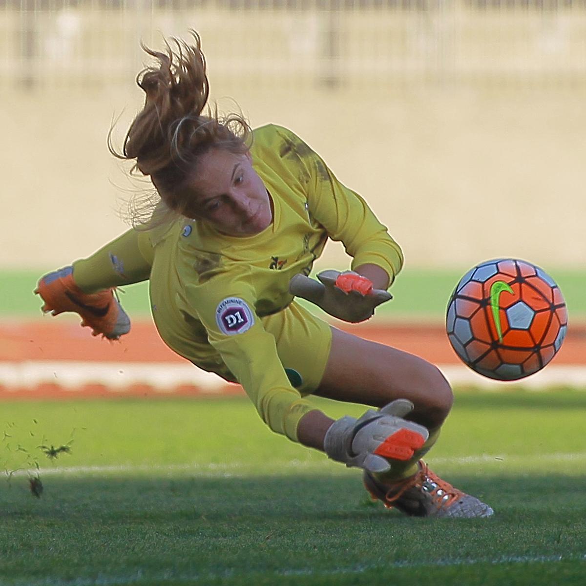 Mondial U20 – Mylène Chavas – La gardienne aux gants d'Or !