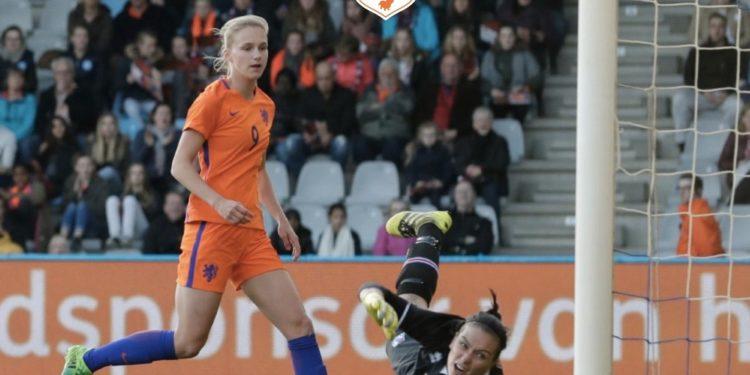 Viviane Miedema retrouve les filets avec un doublé face à l'Islande, premier adversaire du groupe de la France à l'Euro 2017. Groupe B Euro 2017. les feminines.fr