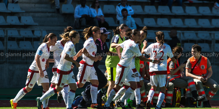 Photo Gianni Pablo. Bordeaux fête son premier but face au PSG qui lui donne le droit d'espérer à son maintien en D1F. Lesfeminines.fr