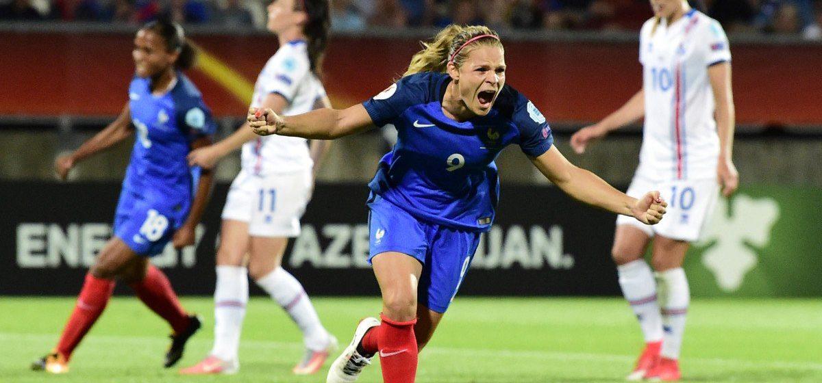 EUgénie Le Sommer explose après son pénalty marqué face à l'Islande. Crédit UEFA. Lesfeminines.fr