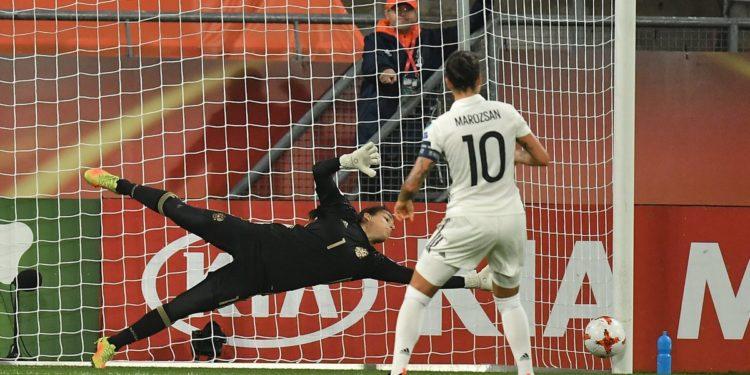 Le pénalty de Dzsenifer Marozsan contre la Russie. Crédit UEFA. Les féminines.fr