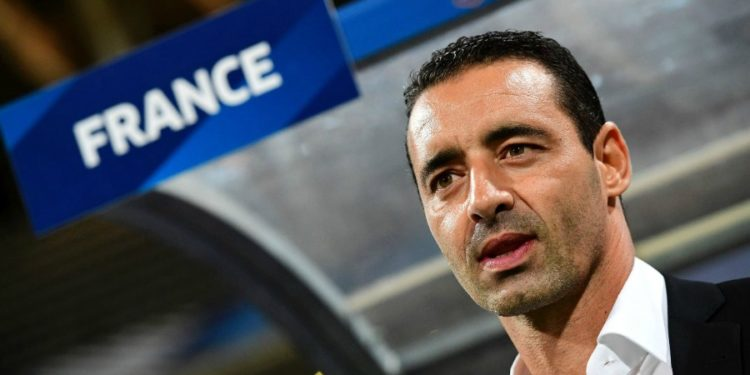 Olivier Echouafni. Coach de l'équipe de France féminine. lesfeminines.fr