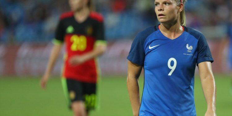 Eugènie Le Sommer lors du France-Belgique (2-0). 1er match préparatoire à l'Euro. Crédit fff. lesfeminines.fr