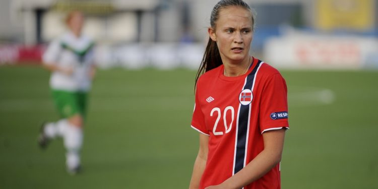 Caroline Graham Hansen, 22 ans, habituée aux joutes internationales, norvégienne, vient pour tordre le cou au chat noir européen. Crédit lesfeminines.fr