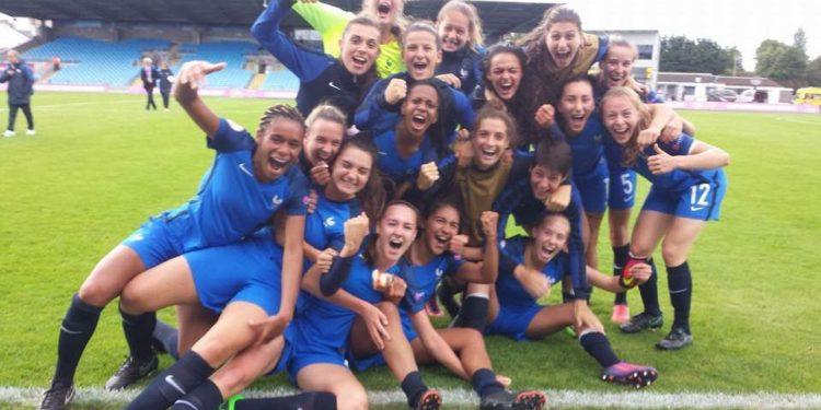 """EURO U19F. L'équipe de France se qualifie pour les 1/2 finales européennes. """"Parties de rien, pour aller le plus loin !"""". Crédit Sandrine Ringler. Lesfeminines.fr"""