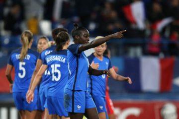 Les bleues. Viviane Asseyi marque son premier but en Equipe de France. Crédit fff.fr Lesfeminines.fr