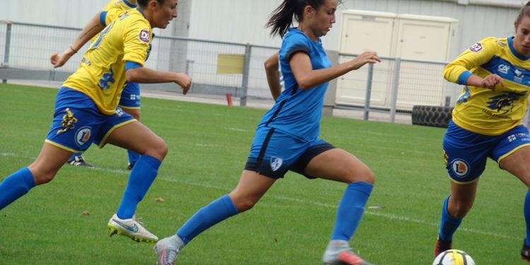 Ines Boutaleb, 18 ans, joueuse du GF38. Crédit Raphaël Gomez. Lesfeminines.fr