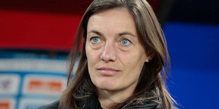 Corinne Diacre, selectionneuse EDF. Crédit Europe 1.Lesfeminines.fr