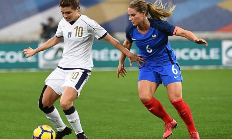 Amandine Henry, meilleure joueuse du France Italie. Crédit fff. Lesfeminines.fr