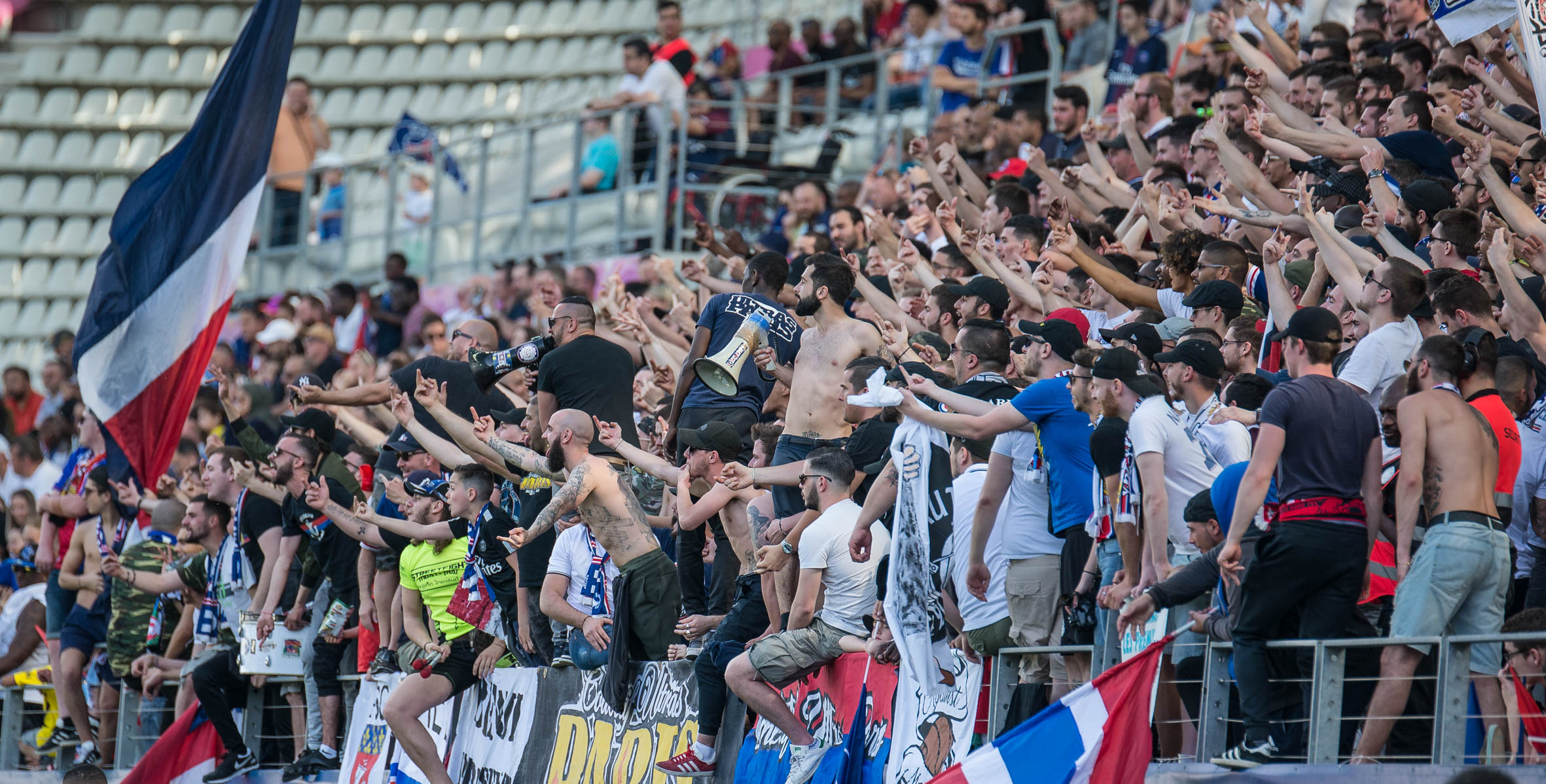 Les Ultras du PSG. Crédit Gianni Pablo. lesfeminines.fr