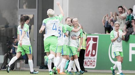 Video – Victoire de Wolfsburg contre Chelsea (2-0). «Les deux meilleures équipe joueront la finale». Réactions traduites du coach, de Fischer, et Kellermann. «Les deux meilleures équipe joueront la finale».
