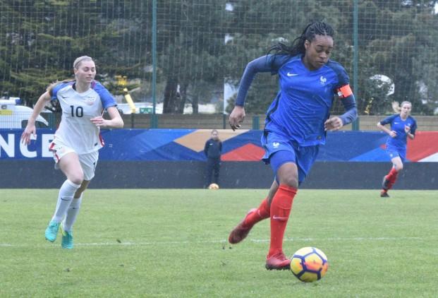 Marie Antoinette Katoto, capitaine et buteuse lors du match amical France - USA du 7 mars 2018 (2-2). Crédit fff. Lesfeminines.fr