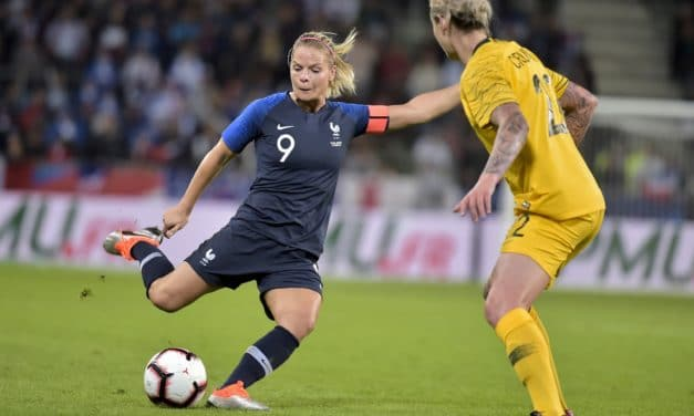 Videos – Bleues – France – Australie (2-0). La France domine une faible Australie.