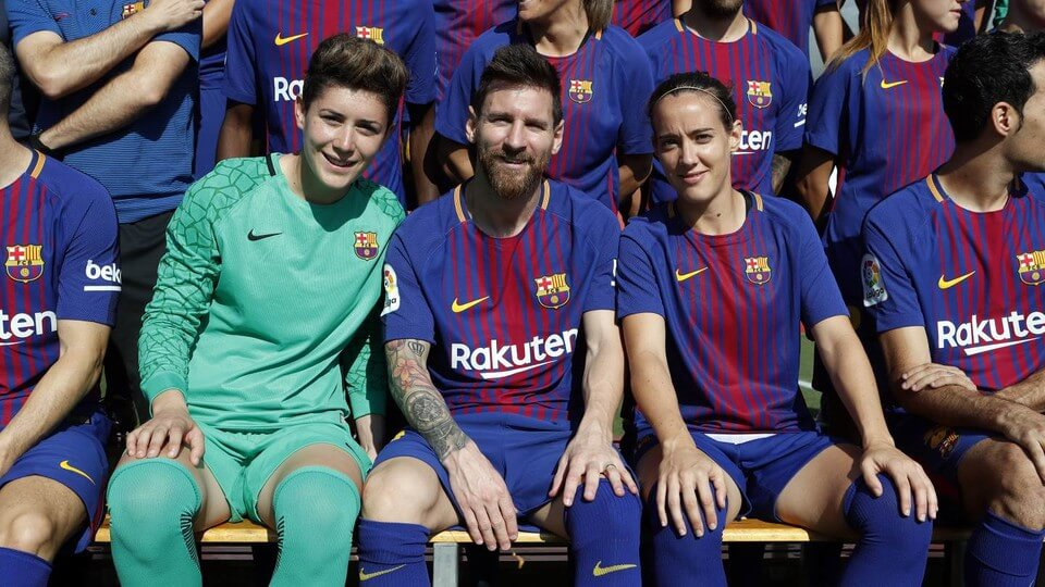 Pourquoi le FC Barcelone affiche un comportement différent en Liga et en Ligue des champions ?